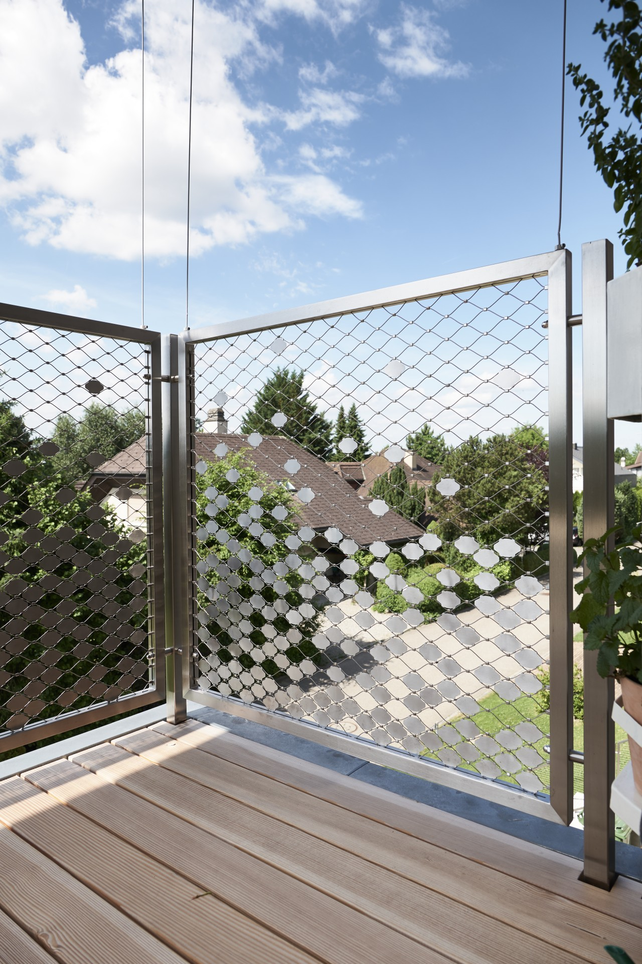 modern stainless steel railing with wire mesh