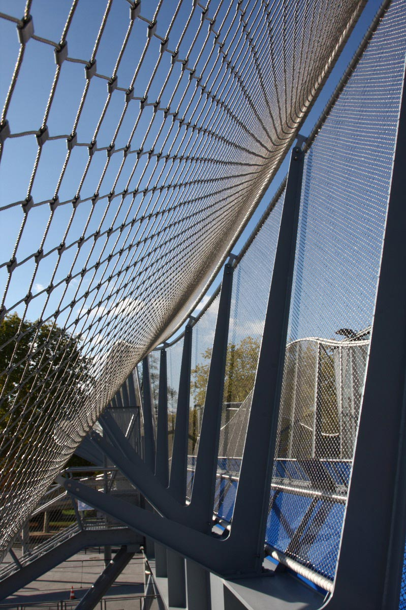 Jakob Webnet wire mesh sculpture and bridge safety net