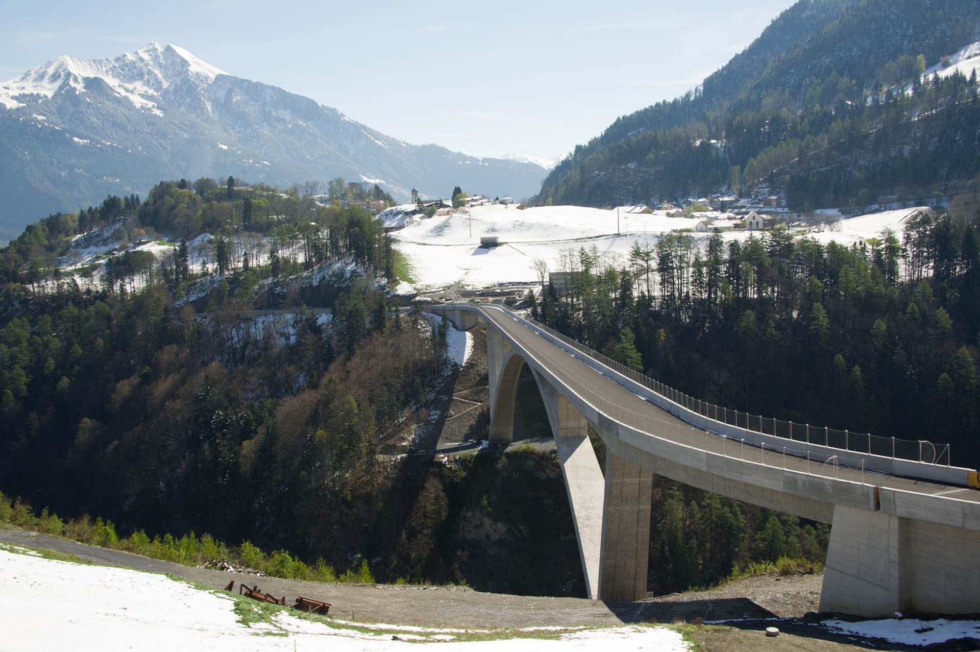 Jakob safety net for tamina bridge, switzerland