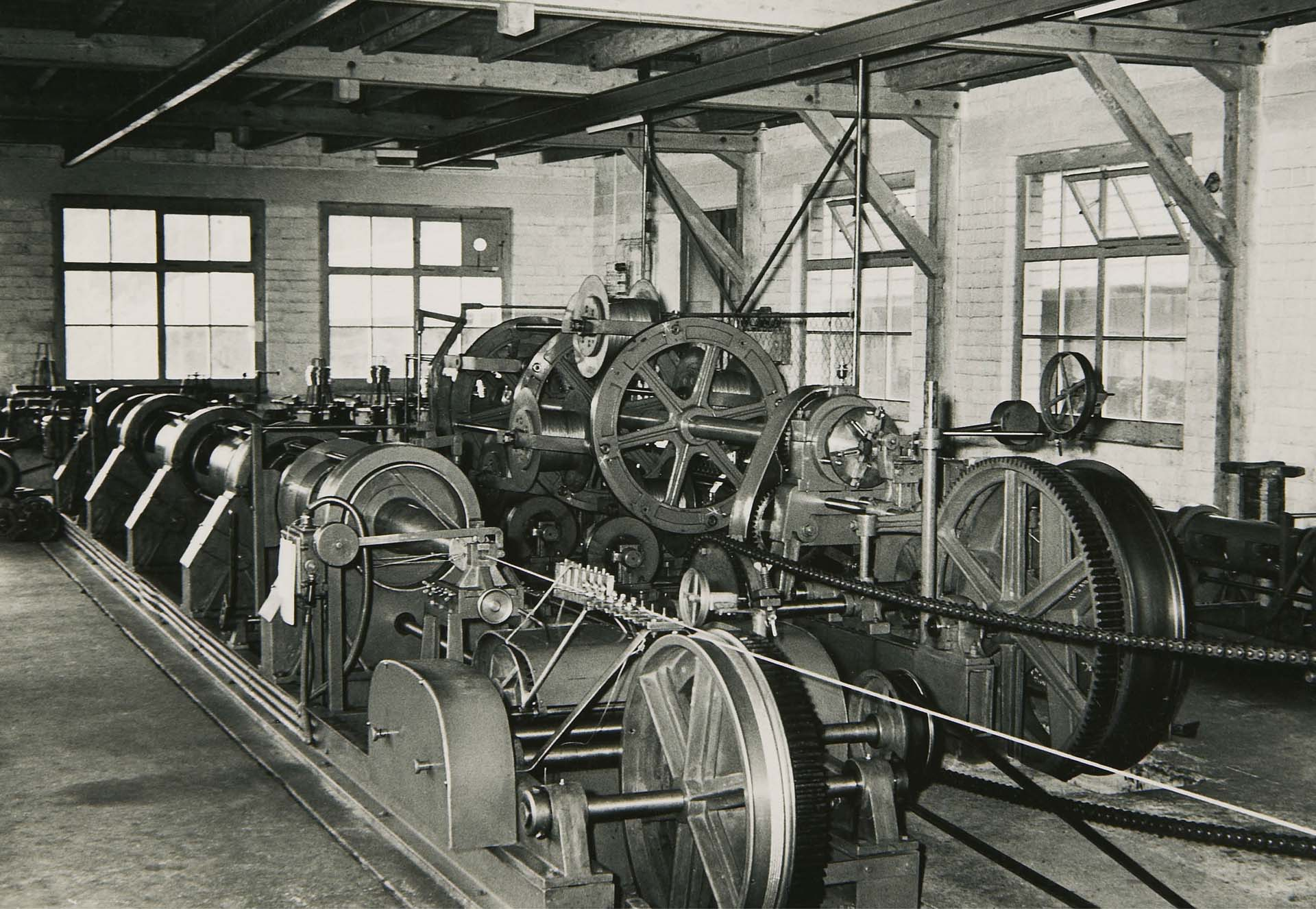 The first machines for the production of steel wires