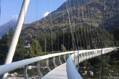 Footbridge over the river Maggia with Jakob cables